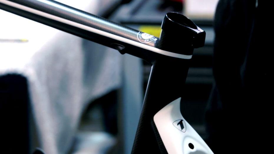 Comment est fabriqué un cadre de vélo en carbone ?