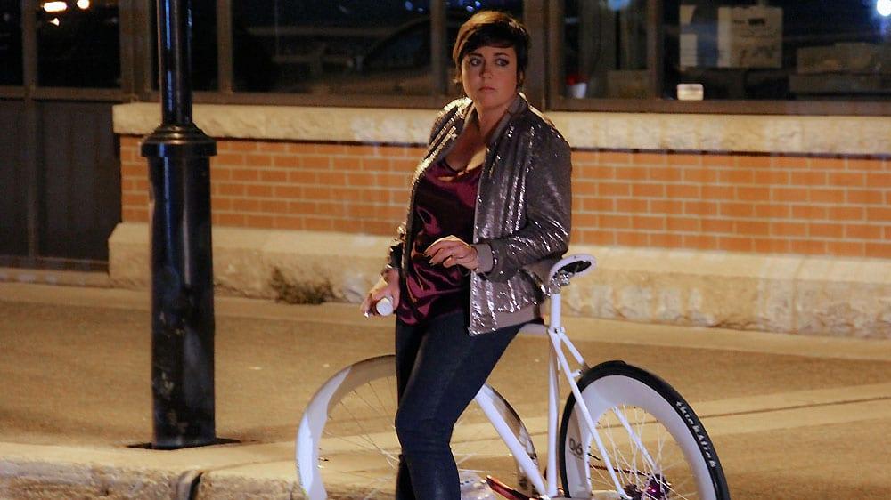 Le clip fixie singlespeed folk Ariane Moffatt Too Late