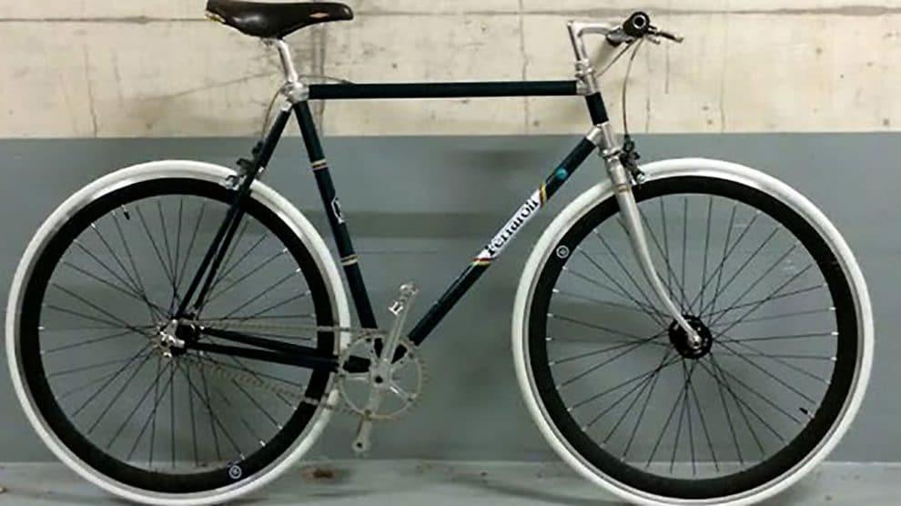 Montage d'un vélo singlespeed sur la base d'un Ferraroli Racing frame carbon