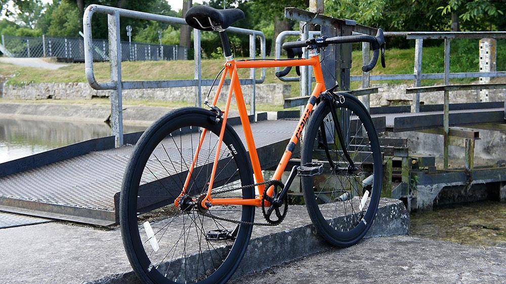 Vélo Raleigh Sirocco devenu singlespeed par un de nos internautes