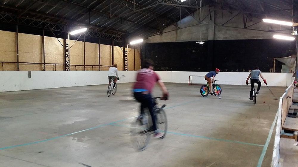 Il est possible de faire du Bike Polo à Bordeaux !