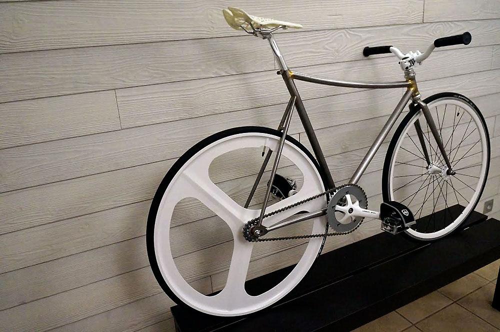 Réalisation d'un vélo fixie sur la base d'un cadre plongeant