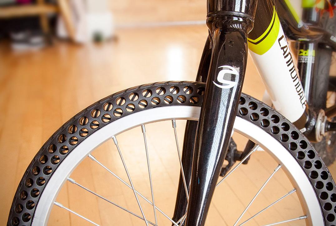 D couvre un pneu de v lo increvable le nexo - Combien coute une chambre a air de velo ...