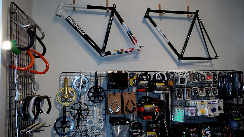L'Hirondelle, magasin bike shop dans le 15ème à Paris