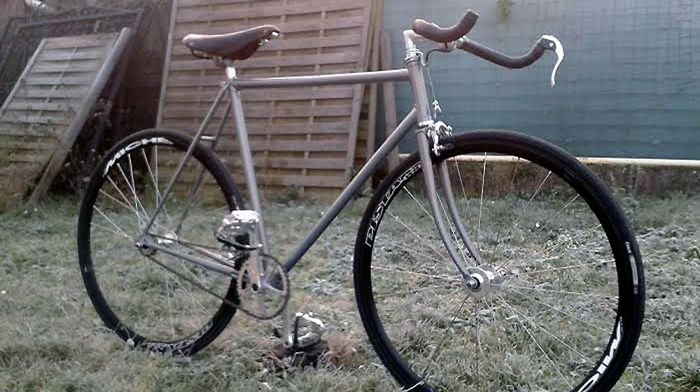 Vélo pignon fixe sur la base d'un vélo de course Cycle LeJeune