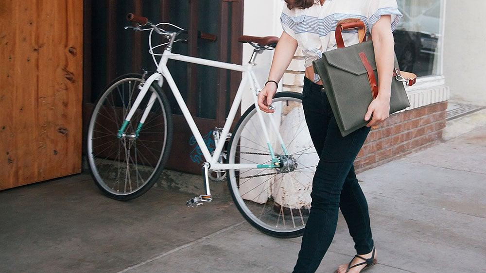 Jaar LA001, une sacoche de qui se fixe au cadre de votre vélo