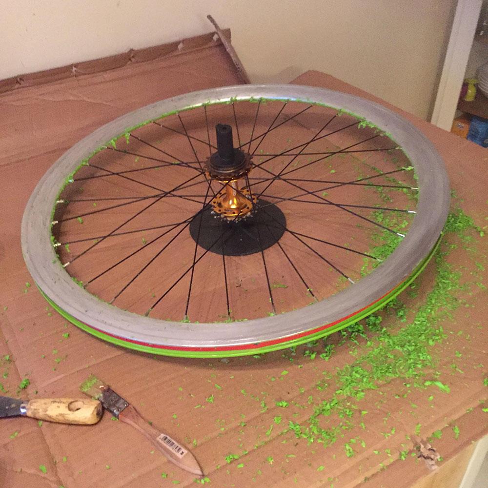 Réalisation d'un vélo fixie bleu par un de nos internautes