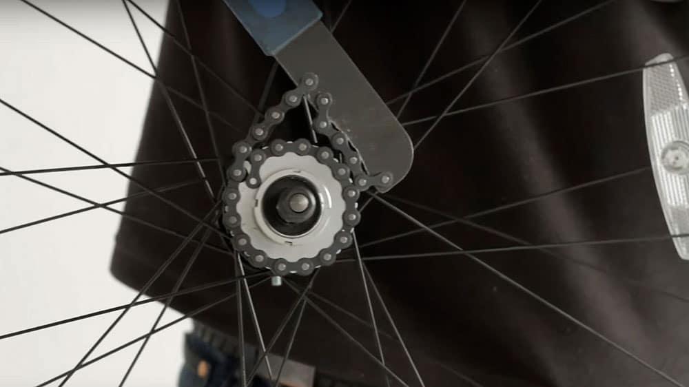 Vidéo comment ajouter un pignon fixe à sa roue de vélo ?