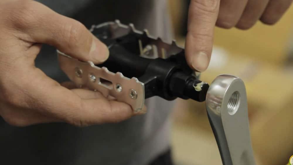 Comment installer ou monter les pédales sur son vélo