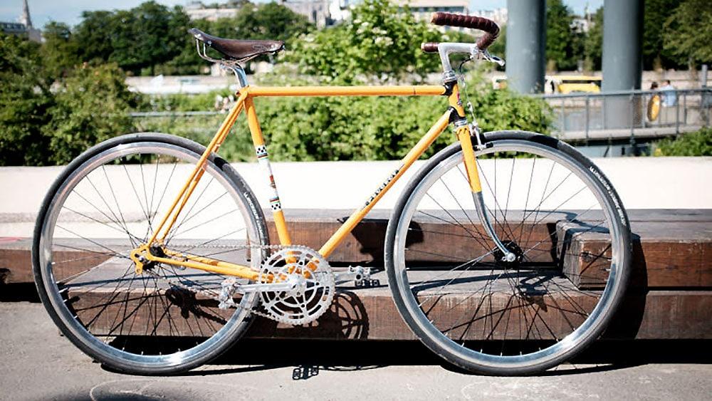 Montage d'un vélo singlespeed avec rétropédalage Peugeot