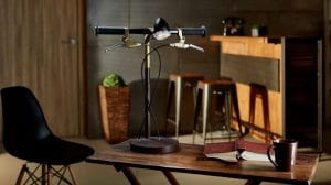 La bonne idée du jour, la lampe de bureau vélo !