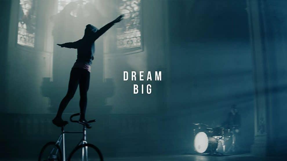Cyclisme acrobatique et danse, un bien beau mélange