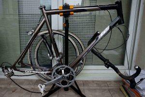 Vélo singlespeed sur la base d'un vélo de course Go Sport accidenté