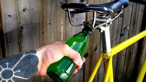 Road Popper décapsuleur intégré à la selle de vélo