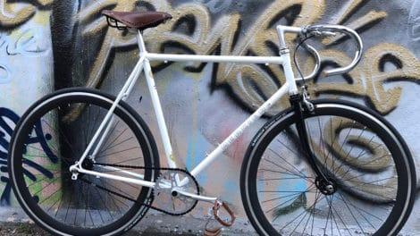 Vélo de course Mercier blanc transformé en singlespeed