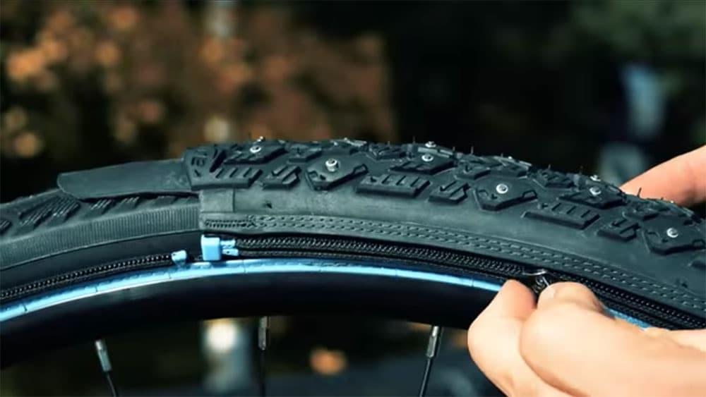 etyre des chaussettes clous de pneus de v lo pour la neige v lo ville v lo urbain sur le. Black Bedroom Furniture Sets. Home Design Ideas