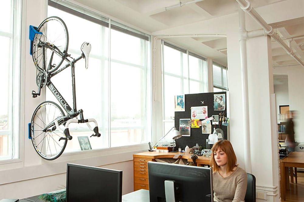 Les supports muraux de vélo urbain ou de ville Cycloc endo