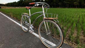 Le vélo chromé Aoi Cycle au design unique et fait à la main