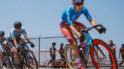Raphaële Lemieux triomphe à Brooklyn sur la course de pignon fixe