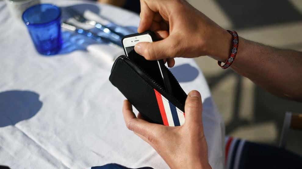 Mavic propose des housses de téléphones en édition limitée