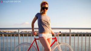 Vous aimez les beaux vélos, les jolies filles et le rock'n roll, vous allez aimer ce site.