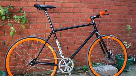 Fixie noir et orange made in England