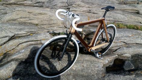Réalisation d'un vélo fixie singlespeed avec un cadre en bois