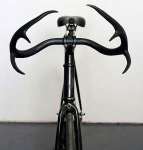 Un guidon ou cintre de vélo en forme de bois de cerf !