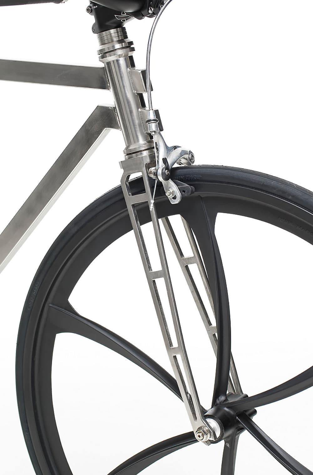 Lamina un nouveau vélo urbain fixie inoxydable