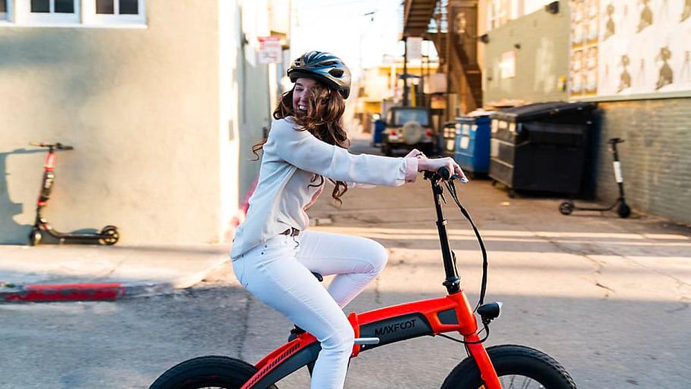 Il existe des vélos pliants électriques